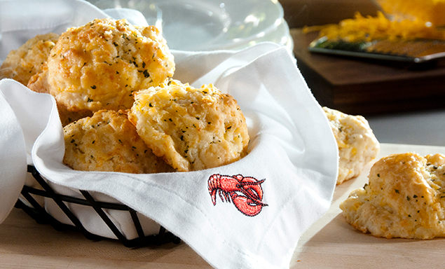 Red Lobster® Celebrates the 25th Birthday Of Cheddar Bay Biscuits®